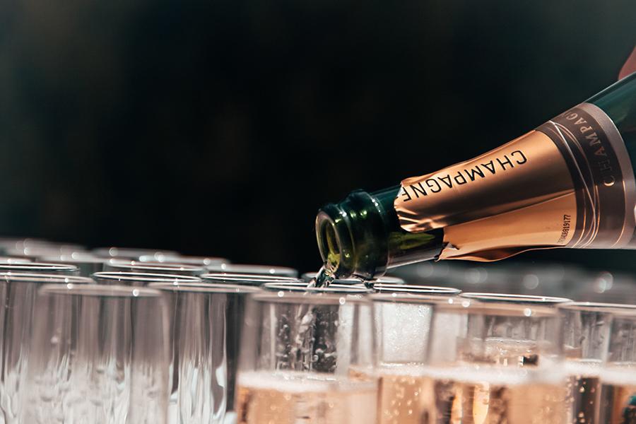 Champagne Toast Unicoi
